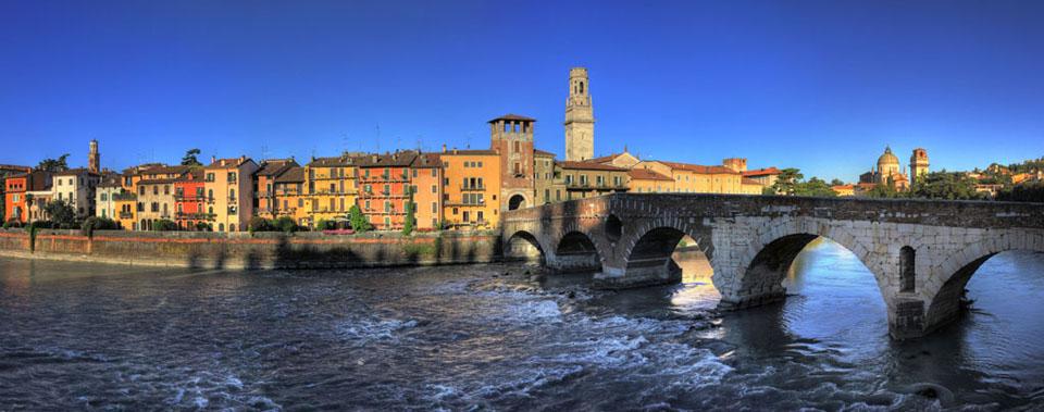L'Adige che attraversa Verona